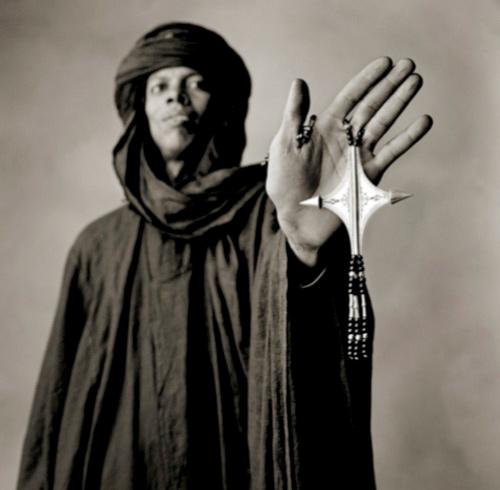 Tuareg met sieraad